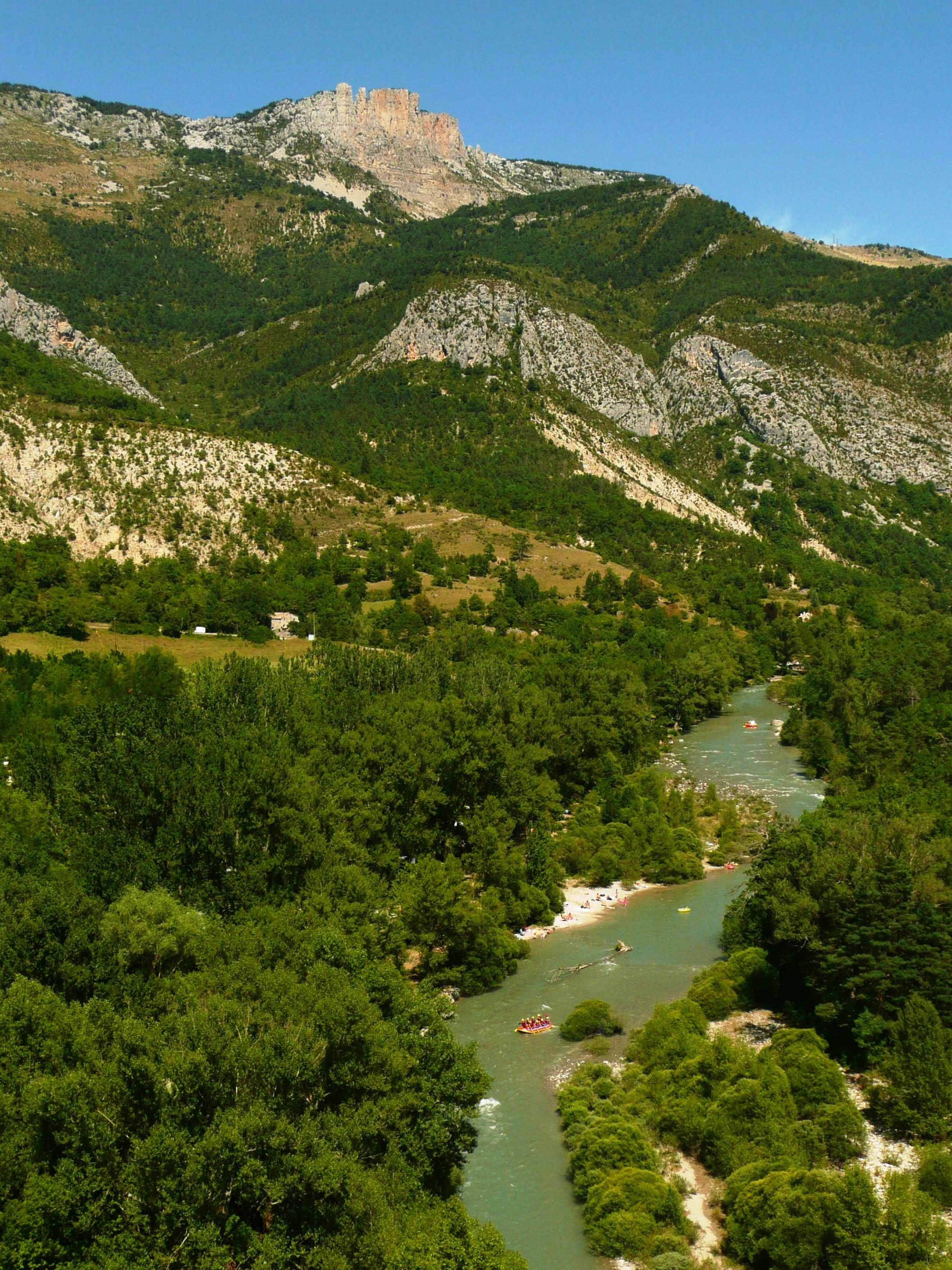 Camping domaine chasteuil provence castellane alpes de for Haute provence info