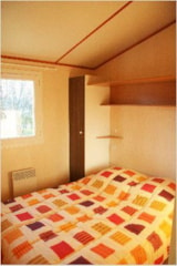 Rental - Chalet Confort+ 29m² / 3 bedrooms - sheltered terrace - Flower Camping de Mars