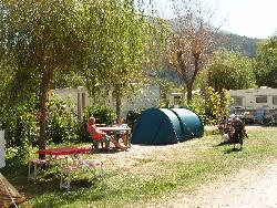 Pitch (packages 2 pers + 1 tent / or 1 car + 1 caravan / or 1 camping-car) + electricity