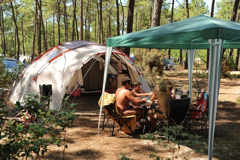 location Tent pitch + electricity 2 Ppl. naturiste