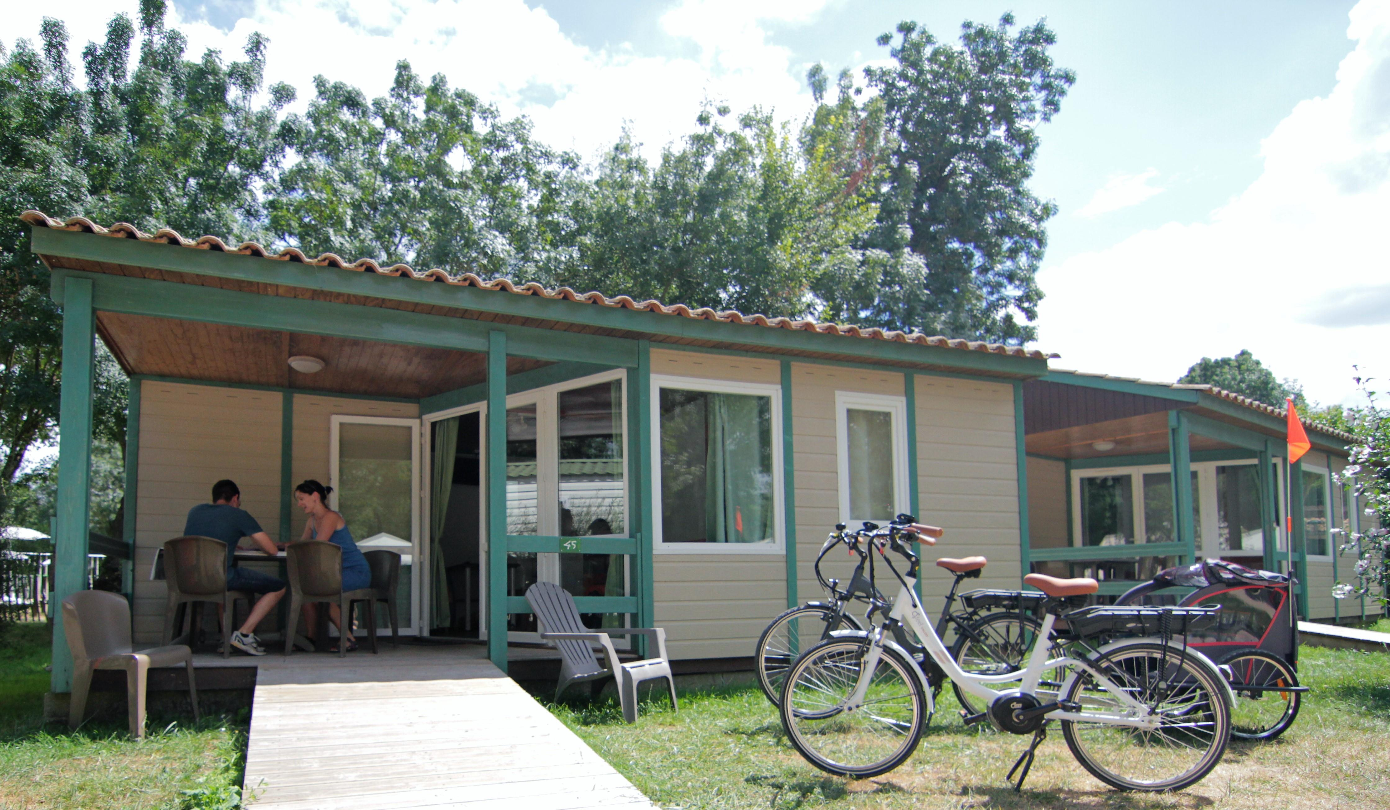 Location - Chalet 35M² (2 Chambres) Dont Terrasse Couverte - Camping Le Lidon