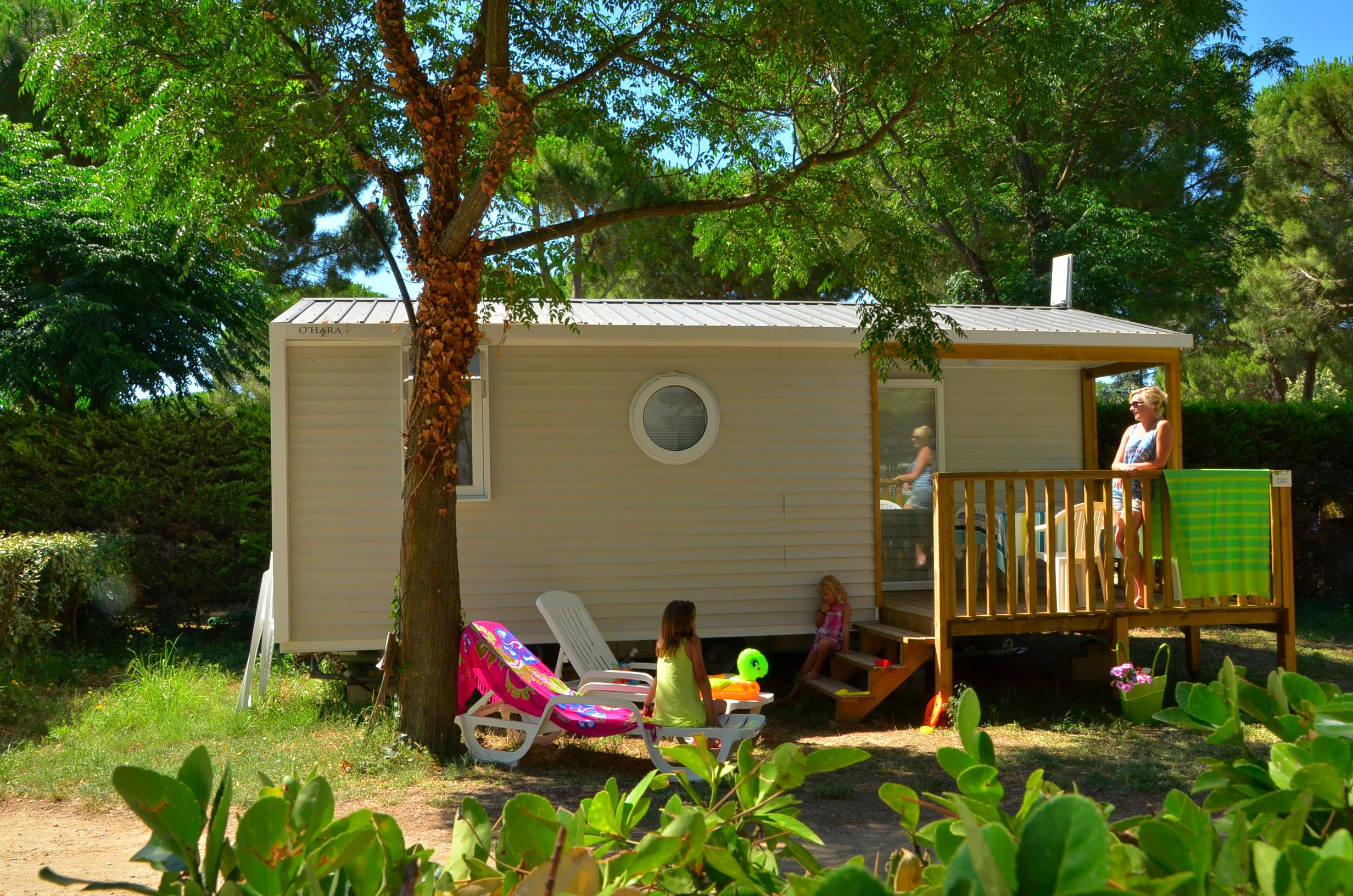 Huuraccommodaties - Le Cosy (2 Volwassenen + 2 Kinderen) + Tv - Animals Forbidden - AIROTEL CAMPING BON PORT