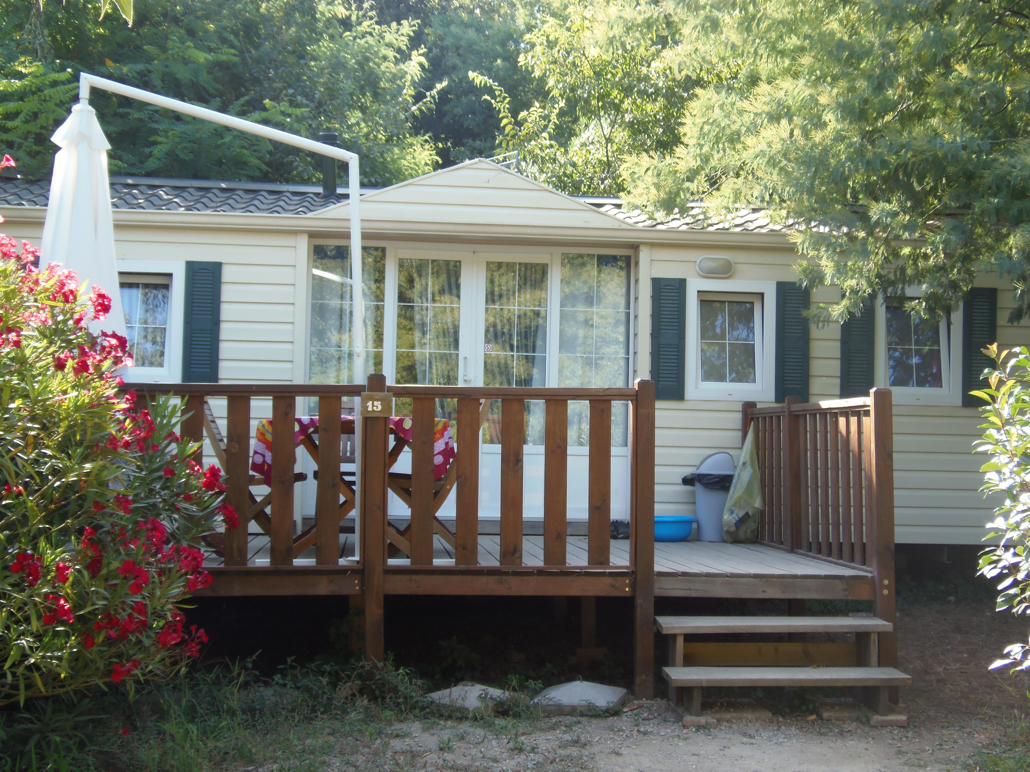 Mobil-home les Lauriers Roses  32 m² - 3 chambres - terrasse 16 m²