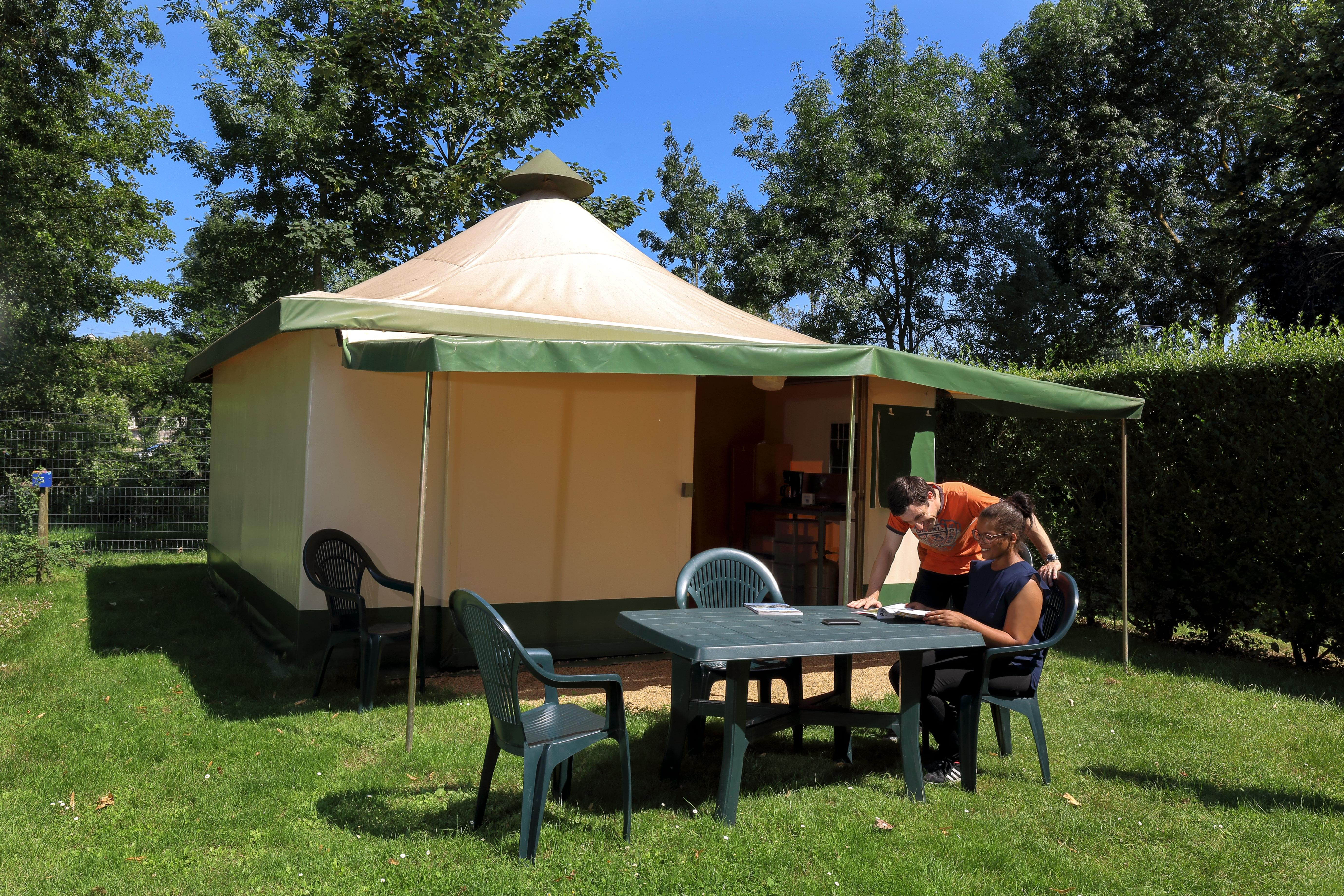 Accommodation - Canvas Bungalow Eco 25 M² (2 Bedrooms) Without Toilet Blocks - Flower Camping Les Nobis d'Anjou