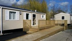 Mobile home Primavera adapted to the people with reduced mobility 4 people 2 rooms + wooden terrace