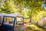 Pitch - Comfort Package (1 tent, caravan or motorhome / 1 car / electricity 10A) - Flower Camping Le Pont du Tarn