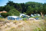 Pitch - Pitch Trekking Package by foot or by bike with tent - 1 Night - Flower Camping Les Cyprès