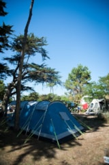 Pitch - Pitch Trekking Package by foot or by bike with tent - 1 Night - Camping Les Cyprès