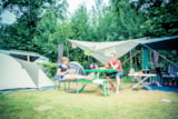 Pitch - Hiker pitch (by foot or bike) incl. tent and electricity 4A - Camping 't Strandheem