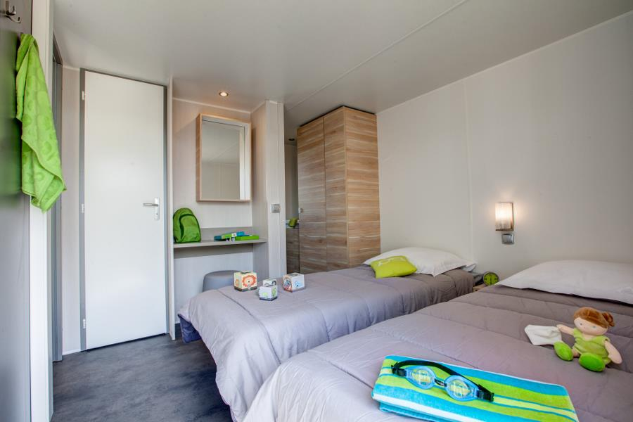cottage 4pl premium burano 2 zimmer 2 badezimmer 34m klimaanlage tv. Black Bedroom Furniture Sets. Home Design Ideas