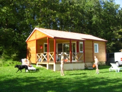 Rental - Chalet Type 2 - 45 m² - 2 bedrooms - Camping Naturiste Le Couderc