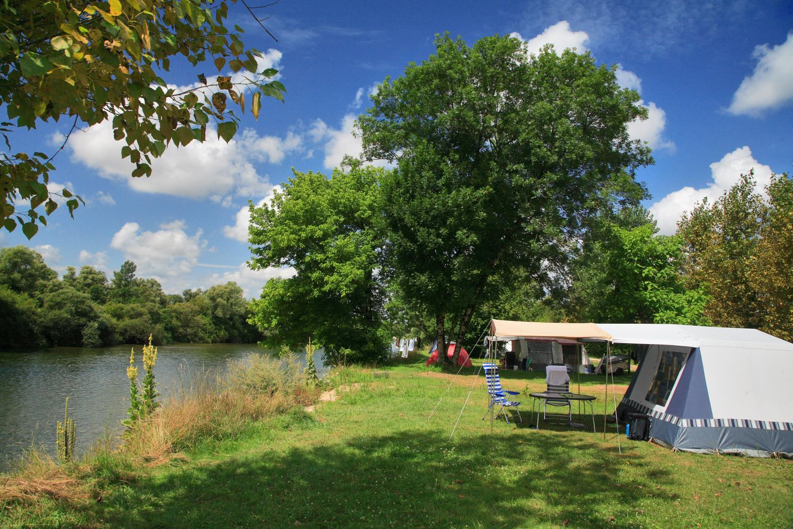 Emplacement - Emplacement Camping Nature - Huttopia La Plage Blanche