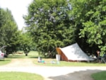 Piazzole - Piazzola Nature (tenda, roulotte, camper / 1 auto) - Flower Camping Des Nauves