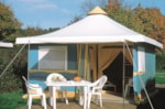 Huuraccommodaties - Bungalowtent Confort+ 25 m² (2 Kamers) + terras - Flower Camping Le Riviera
