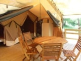 Rental - LODGE VICTORIA comfort 30m²  (2 bedrooms) with covered terrace without private facilities - Flower CAMPING SAINT AMAND