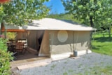 Rental - Lodge Canada Confort + 35m²  (3 bedrooms) with covered terrace without private facilities - Flower CAMPING SAINT AMAND