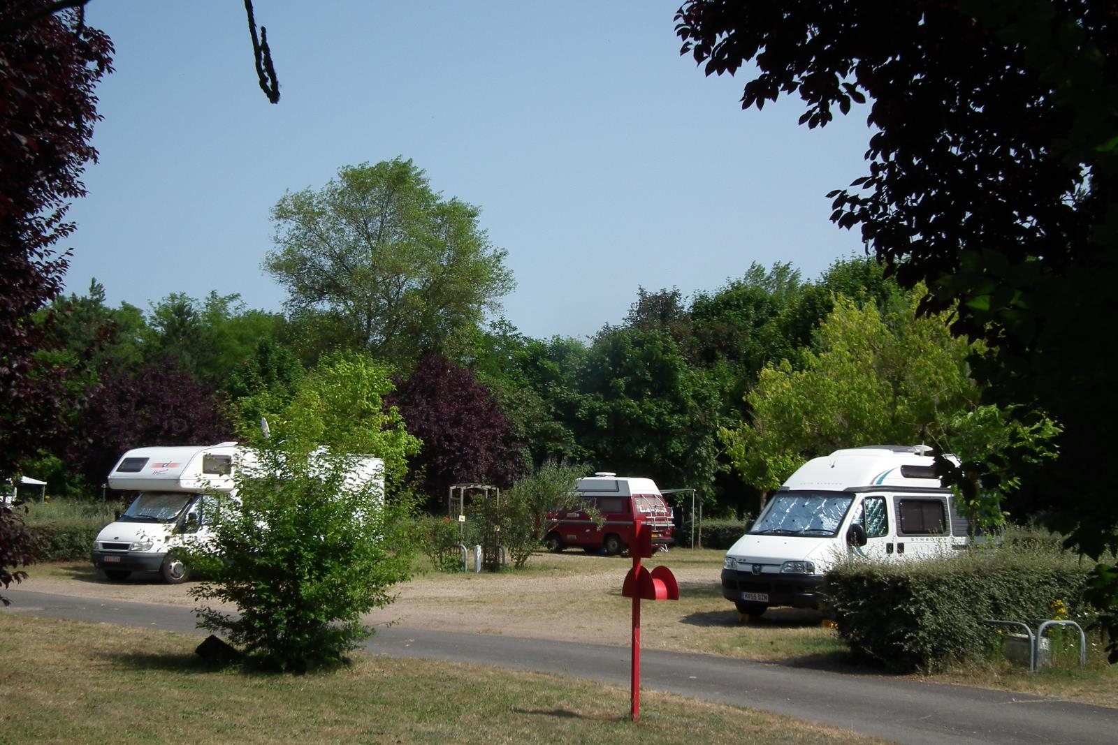 Camping pitch long stay for Camping hortus le jardin de sully