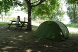 Pitch - Camping Pitch Riverside - On The Edge Of The Loire Valley - Small Tent - Camping Le Jardin de Sully
