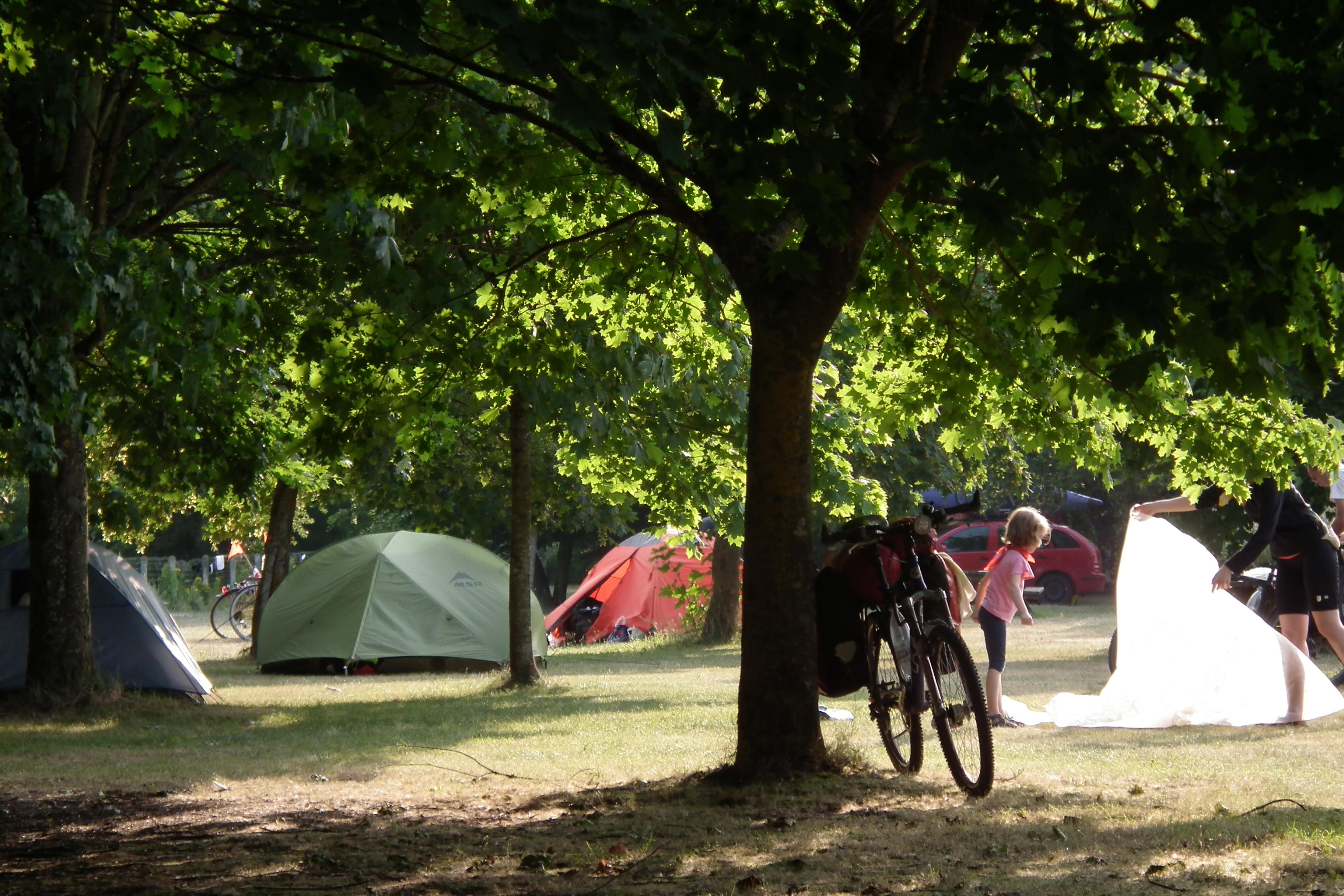 Emplacement en camping - SPECIAL LOIRE A VELO