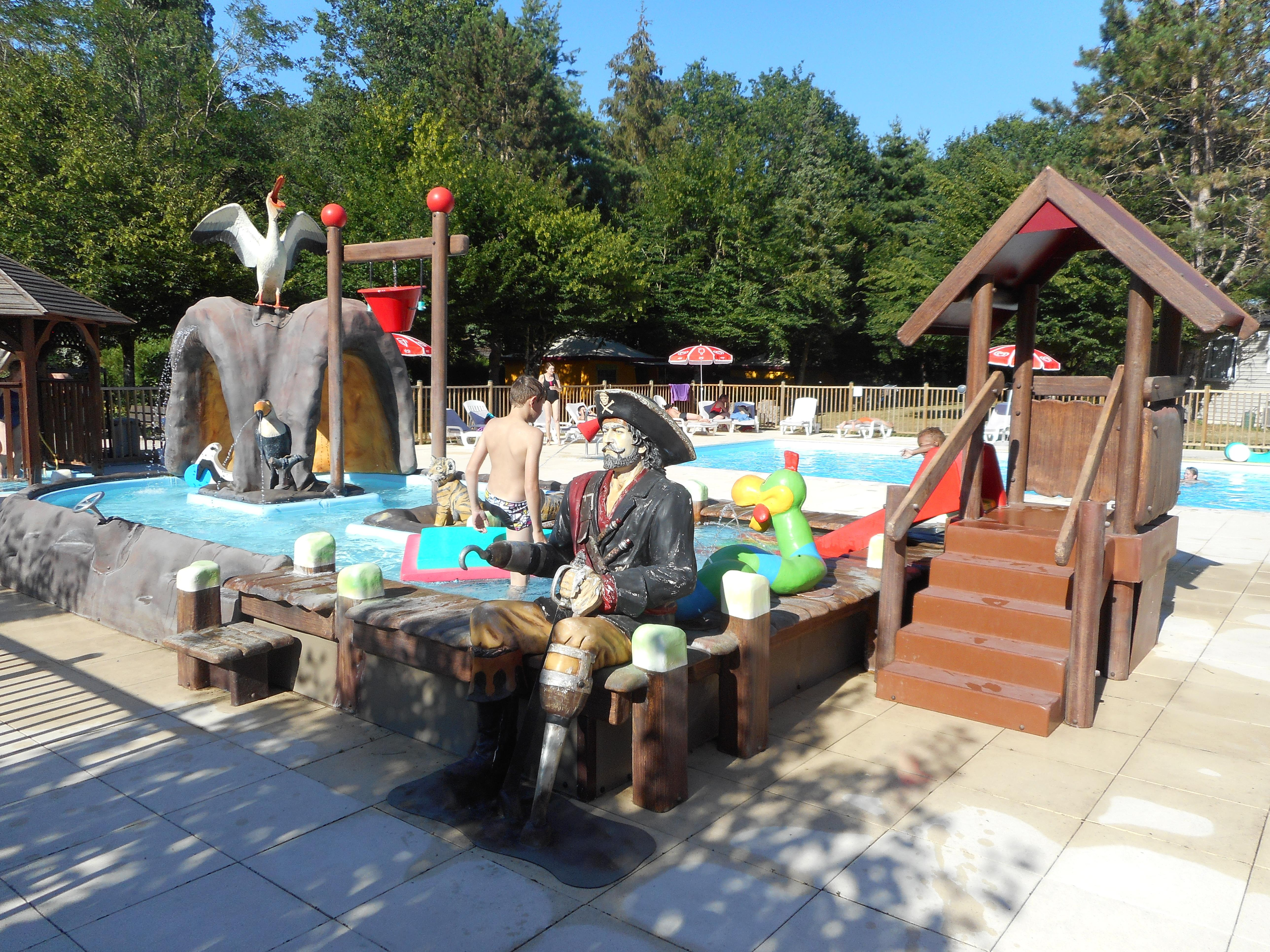 Camping Le Jardin De Sully France Camping In Saint Pere