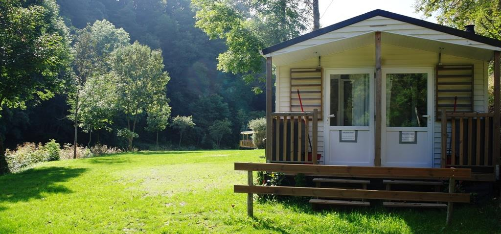 Campingpitch with private sanitair incl. car, electricity 6A