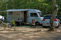 Pitch - Pitch 100-120M² (Electricity + 1 Car) - Camping Sunêlia Aluna Vacances