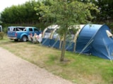 Pitch - Pitch + vehicle - Camping Le Varquez-sur-Mer