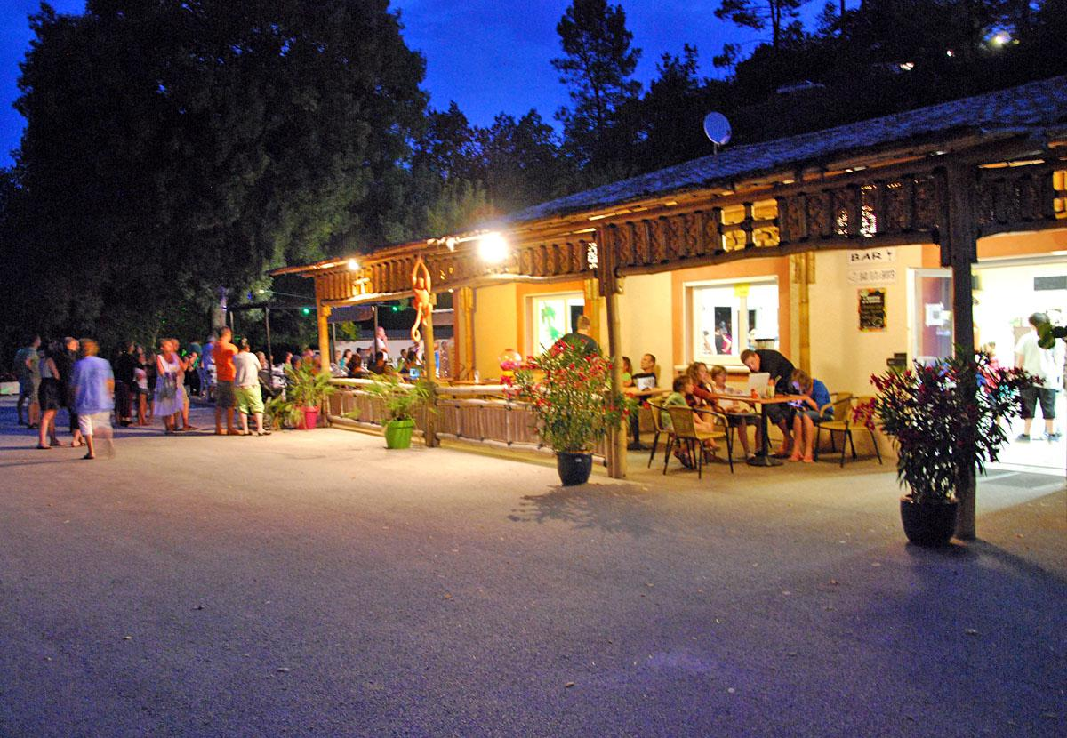Services & amenities CAMPING LES FAUVETTES - ANDUZE