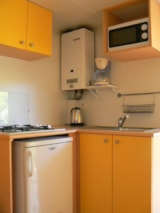 Rental - Mobil-home 2/3 places + place cot 18 m2 (2 rooms) - Camping Coeur d'Ardèche