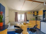 Rental - Mobil-home 6/8 places, 32m² (3 Bedrooms + 1 convertible bench) - Camping Coeur d'Ardèche