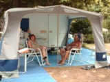 Pitch - Package: Pitch + car + tent/caravan/camping car + electricity 6A - CAMPING DES SOURCES