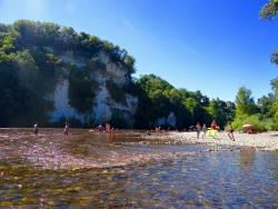 Establishment Camping Le Rocher de la Cave - Carsac Aillac