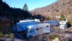 Inside Parking for campers : Formula with 1 camper + electricity 8 amp + 2 persons