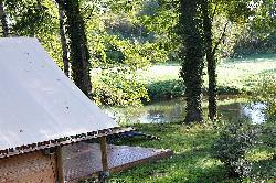 Tent 'Amazone' 20 m²  +  terrace - bordering the river- Free Wifi*