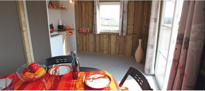 Alloggi - Cabanes Lodges 21 M2 (2018) - 2 Bedrooms - Kitchen Corner - Sitting Room - Wc - Without Bathroom - Free Wifi* - Camping Brantôme Peyrelevade