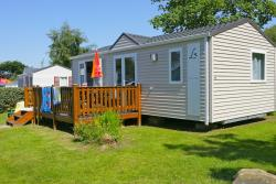 Mobile Home 2 Bedrooms - 1 Bathroom.