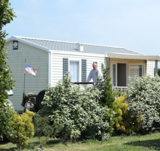 Mobile home Confort+ 27,5 m² (2 bedrooms) + überdachte Terrasse + TV