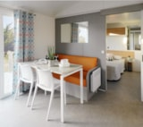 Rental - Mobile-home Confort+ (2 bedrooms) + TV - adapted to the people with reduced mobility - Flower Camping UTAH-BEACH