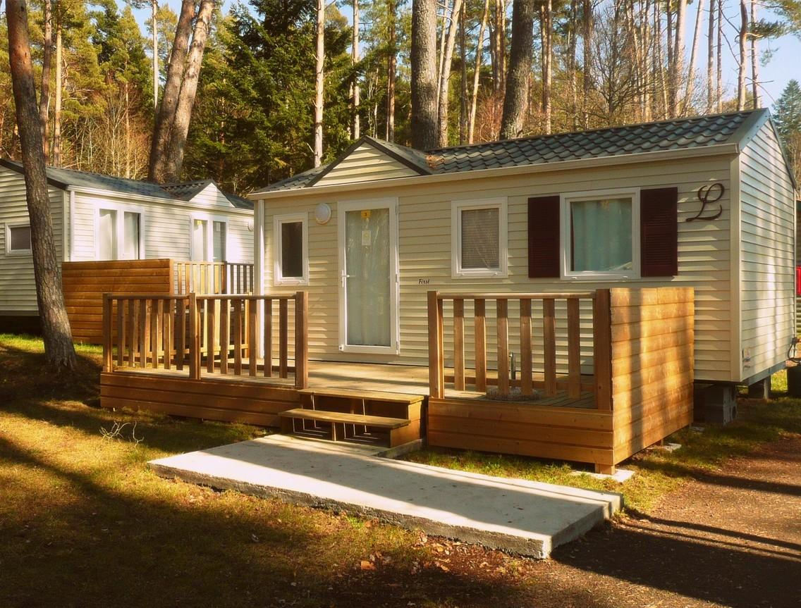 Location - Résidence First Louisiane 4 Personnes - 2 Chambres - Camping du Lac d'Aydat
