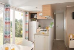 Huuraccommodaties - Mobil Home COSMIC MIDWEEK - 3 bedroom - 2 bathroom - Airco - TV - Camping Les Peneyrals