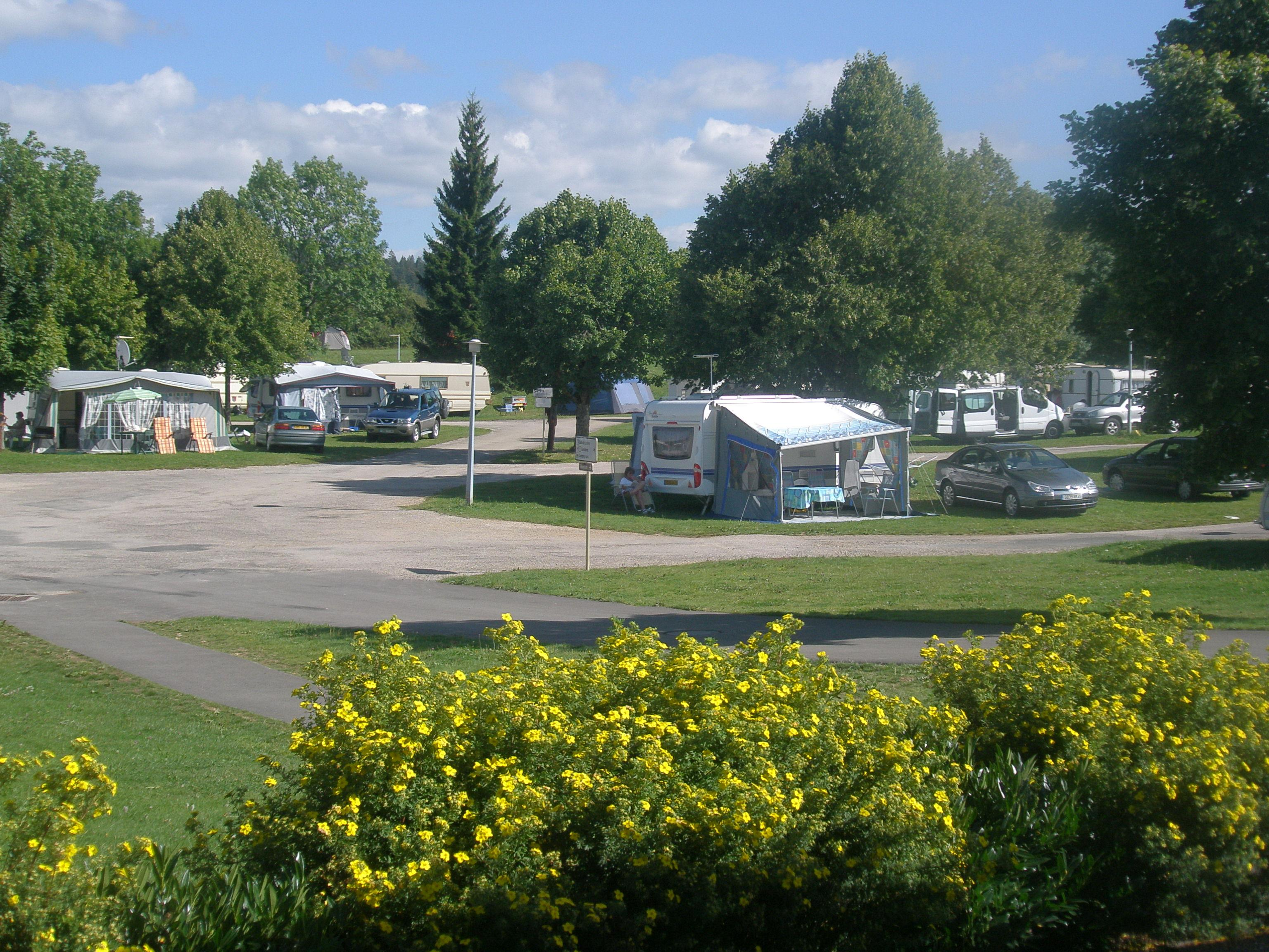 Etablissement Camping Le Champ De Mars - Saint Laurent En Grandvaux