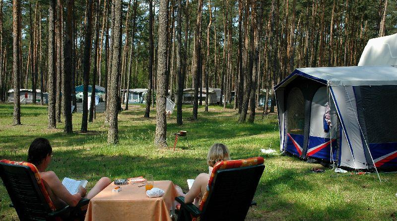 Emplacement - Empl. Camping-Car - 2 Adultes / 3 Enfants Ou 3 Adultes - Camping Useriner See
