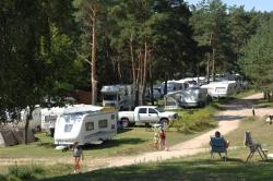 Pitch For Caravan Or Tent 80-114M² - 2 Adults / 3 Children Or 3 Adults - Electricity