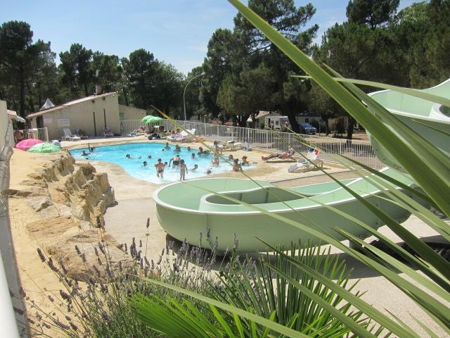 Establishment Camping La Pinède En Provence - Mondragon