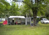 Pitch - Comfort XXL Pitch + electricity - Camping les Peupliers