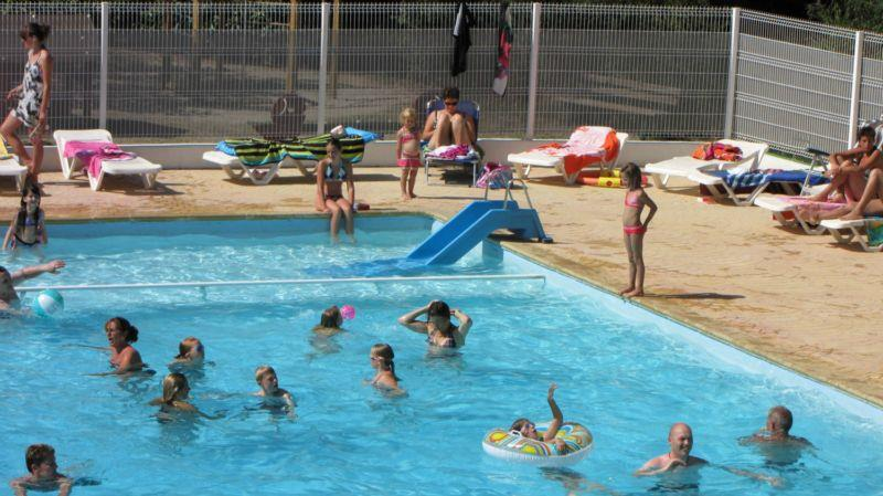 Flower Camping Le Plan d'Eau - Saint-Privat