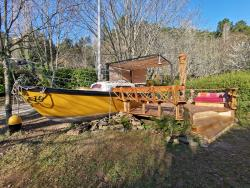 Huuraccommodatie - Sailboat Docked - Unusual Accommodation - Camping Le Moulin de Gournier