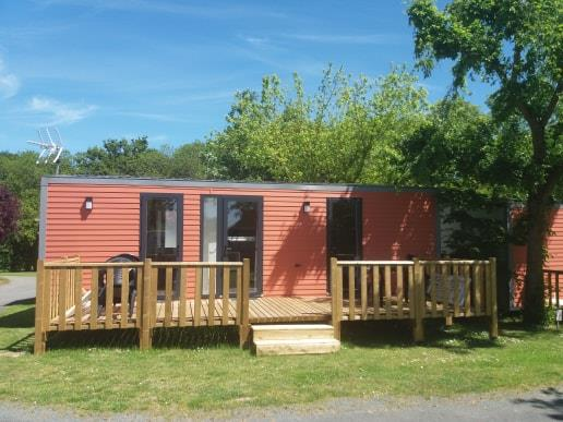 Location - Mobilhome 4 Personnes 2 Chambres 2 Sdb Premium Tv Climatisation Lave Vaisselle - Camping Le Rouge Gorge