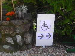 Wheelchair friendly Camping Les Lavandes - Darbres