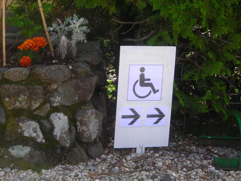 Wheelchair friendly Camping LES LAVANDES Ardêche - Darbres